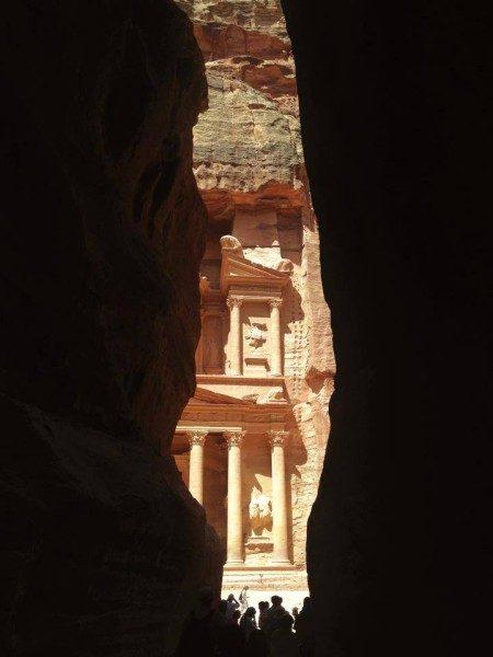 Petra in controluce