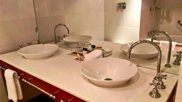 uluru-hotel-bagno