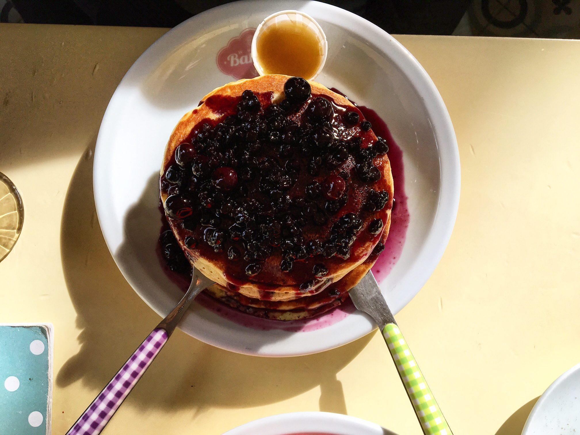 white-bakery-pancake
