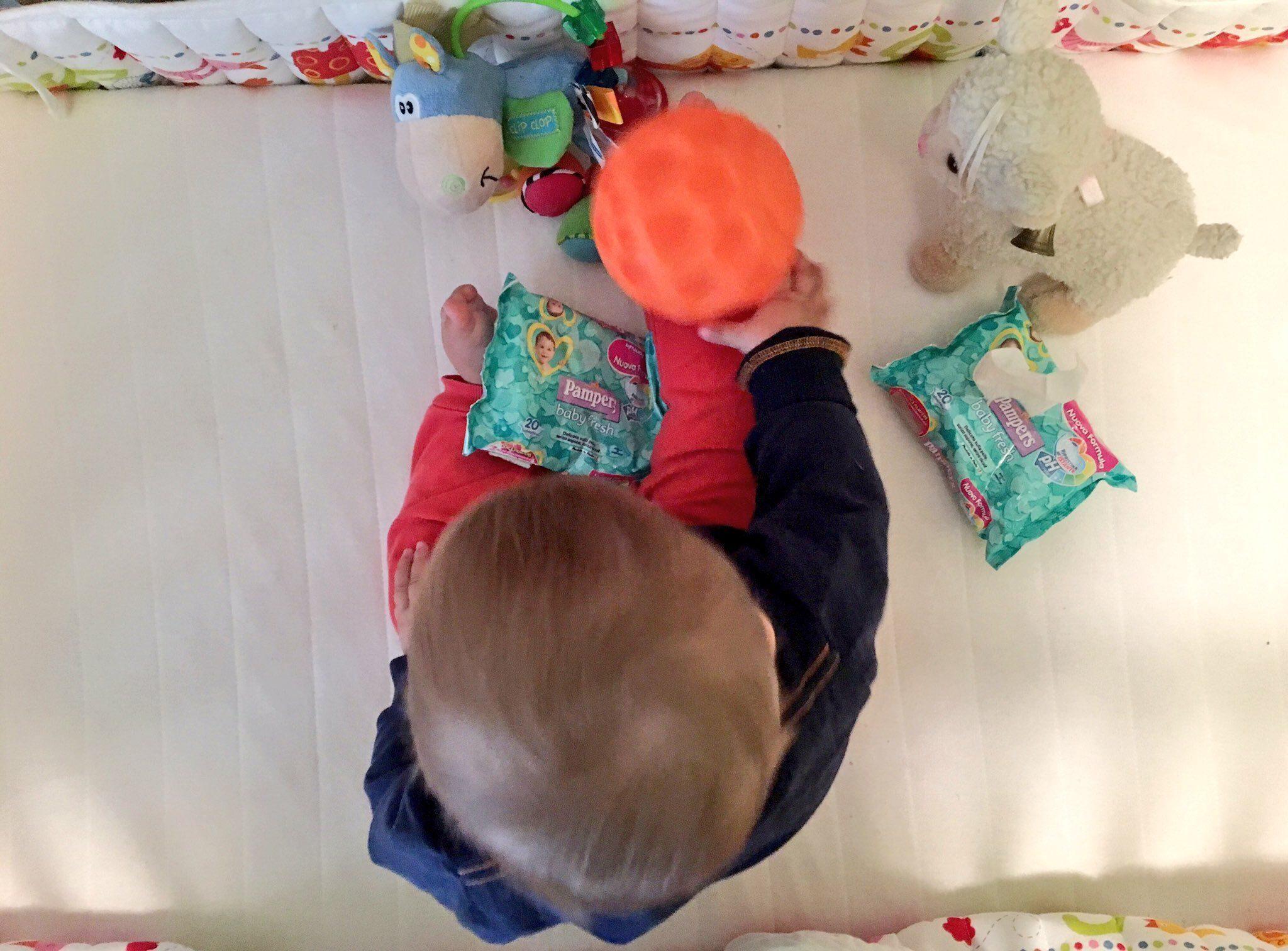 Pelle pulita e protetta anche in viaggio con le salviettine Pampers Baby Fresh