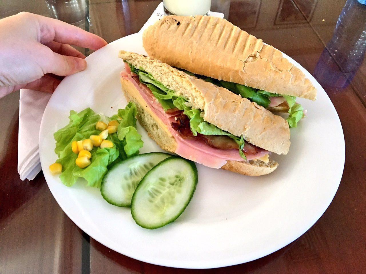 cuba-hotel-presidente-sandwich