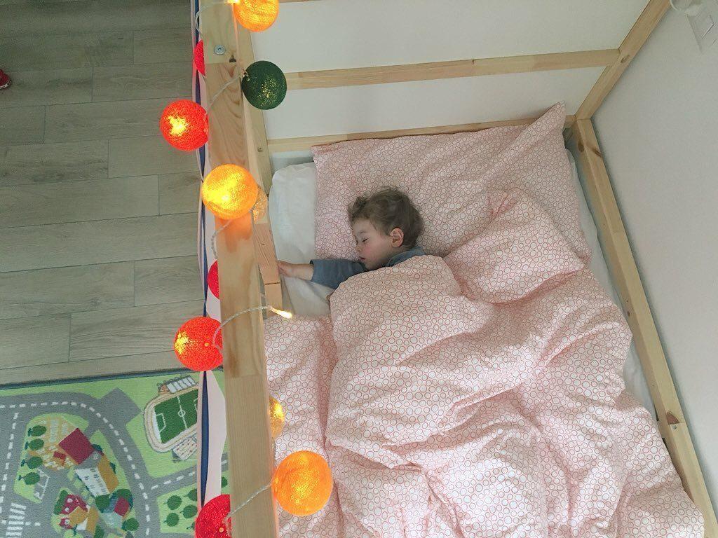 Cameretta Montessori Ikea : Cama montessori ikea versión niño grande