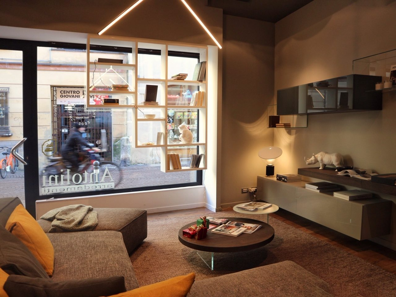 Lago store a rimini dove scegliere mobili di design for Lago store