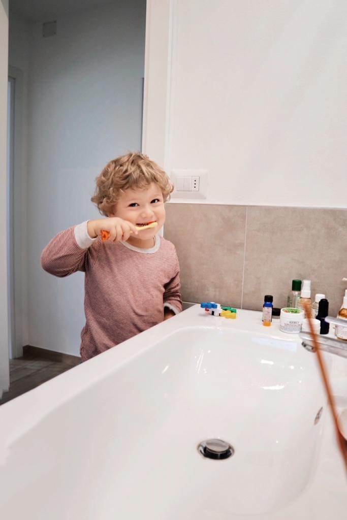 Lavarsi i denti da piccoli